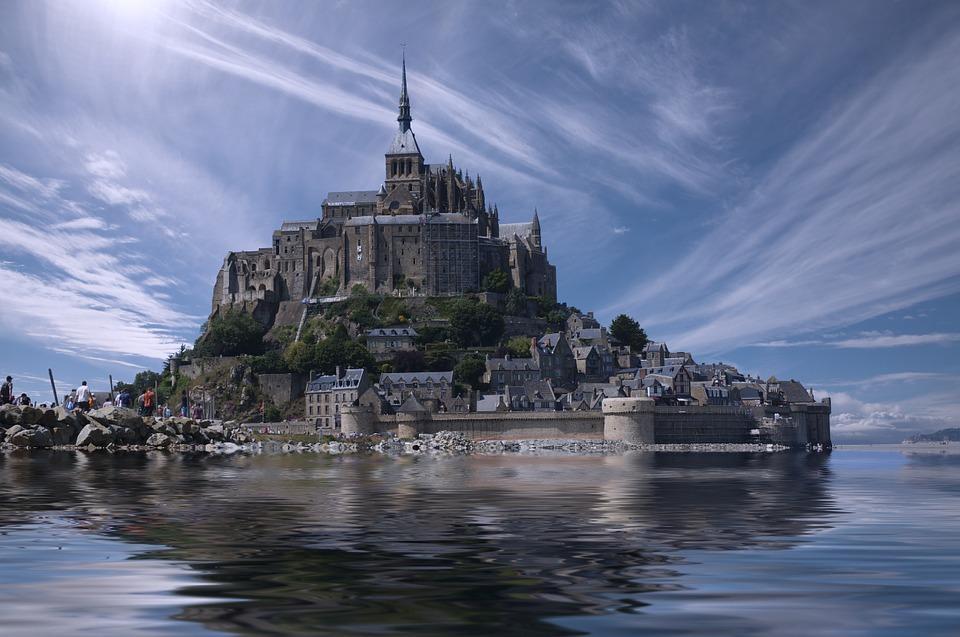 https://www.e20toscani.com/wp-content/uploads/2019/02/mont-saint-michel-.jpg