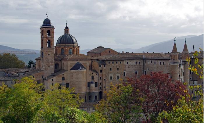 https://www.e20toscani.com/wp-content/uploads/2020/10/Screenshot_2020-10-09-Immagine-gratis-su-Pixabay-Urbino-Palazzo-Ducale-Torricini-e1602508395714.png